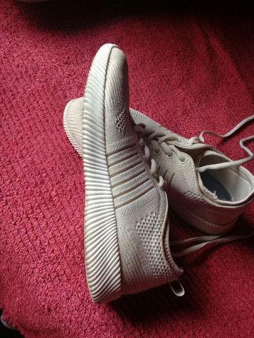 Vendo esse tênis n36 - Foto 2