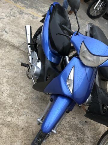 Biz 125, ano 2006 a pedal, motor feito