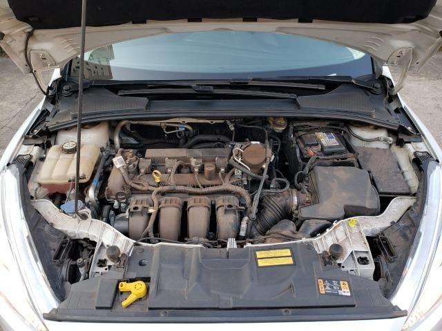 Ford Focus fastback SE plus sedã 2.0 15/16 flex aut. branco - Foto 15