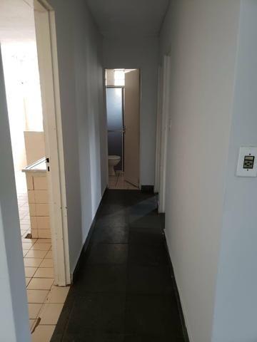 Apartamento 3 quartos grande sala ampliada ao lado do Pantanal shopping. - Foto 4