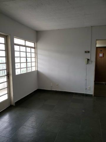 Apartamento 3 quartos grande sala ampliada ao lado do Pantanal shopping. - Foto 6