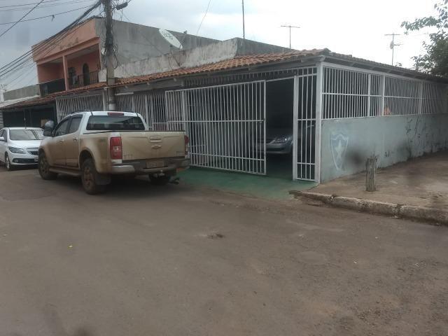 QNP 13 Casa de Esquina. Aceita financiamento