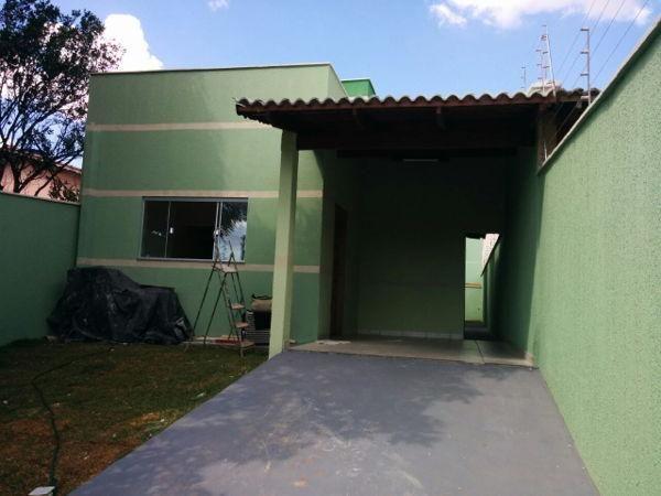 Casa  com 3 quartos - Bairro Jardim Itaipu em Goiânia