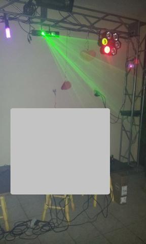 Estrutura de treliça para iluminação