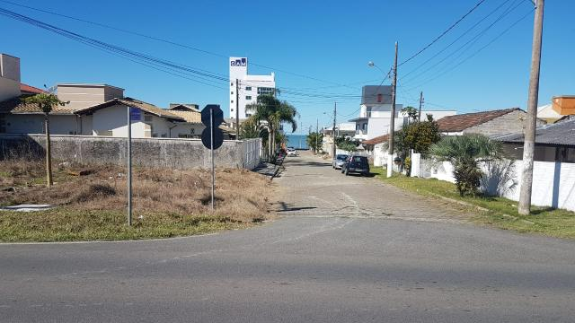 Terreno Quadra do mar - R$100.000,00 - Foto 2