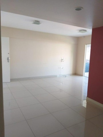 Apartamento amplo no bairro Jardim Vitória. Financia - Foto 2