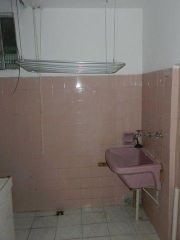 Aluguel apartamento fundos 2 quartos Rua Noronha Torrezão 370 Santa Rosa, Niterói. - Foto 16