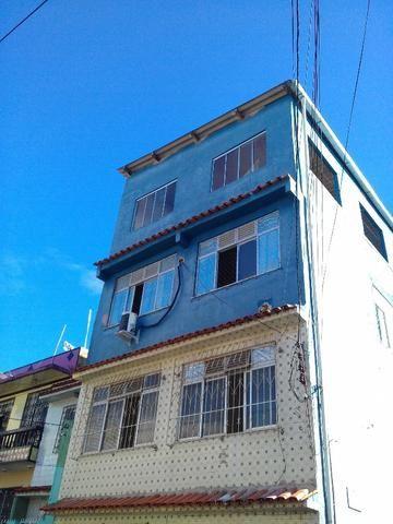 Casa de 3/4, cobertura, frente de rua, próximo do colégio duque de caxias