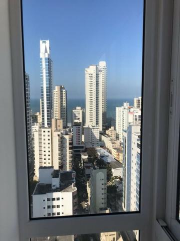 Excelente Apartamento no Centro de Balneário Camboriú - 03 Suítes sendo uma Master - Novo - Foto 2