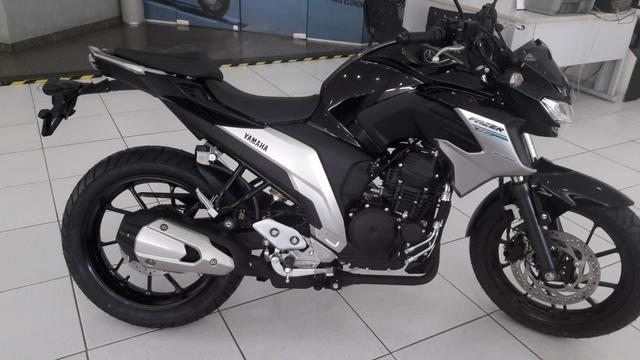 Entrada de R$ 4100 + 48x 598 Yamaha Fazer 250cc ABS 21/21 Imperdível - Foto 3