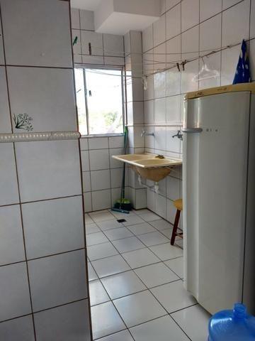 Apart.mobiliado e decorado com excelente localização - Foto 6