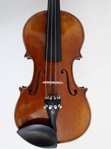 Violino usado, modelo Stradivari