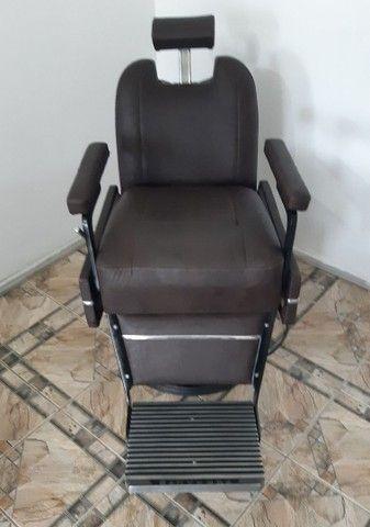 Cadeira de Barbeiro Ferrante. - Foto 2