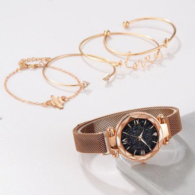 Conjunto de Relógio Feminino de luxo com 4 Pulseiras Folheadas a ouro - Foto 3