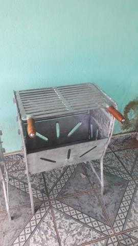 Churrasqueira grande fechada de alumínio - Foto 4