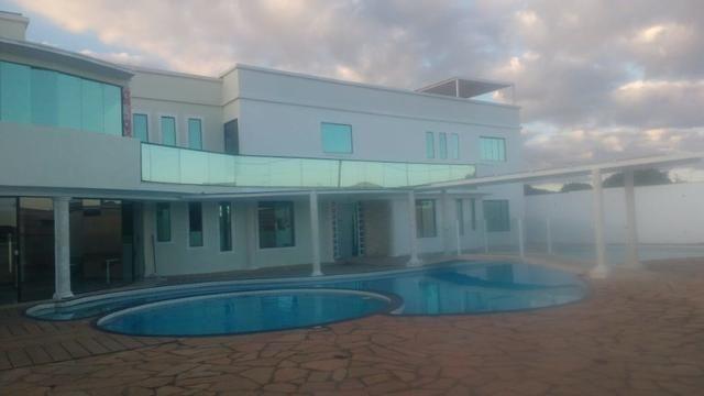 Linda mansão com 4 suítes - Foto 2