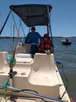Lancha tipo catamarã 16 pés com motor johnson 25 hp partida elétrica - Foto 4