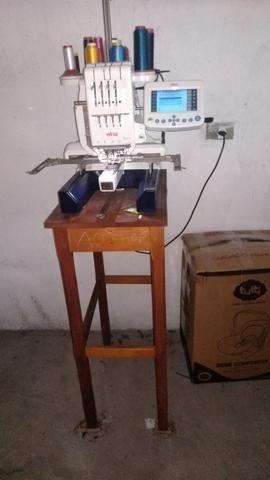 Máquina Bordadeira Elna 9990