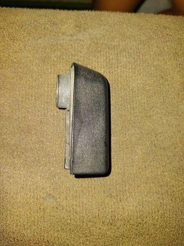 Capa braço limpador traseiro fiat - Foto 2