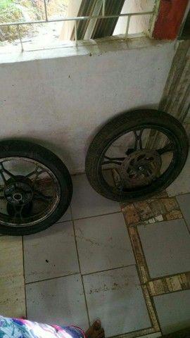 Pra vender logo toda filé com pneus do jeito que tá ai