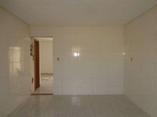 Linda casa de 2/4 com quintal e 2 vagas por R$ 269.000 em Jardim dos Alfineiros - Foto 15