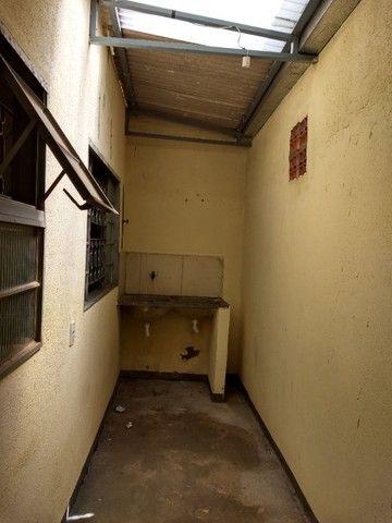 Kit Net 2/4 Jardim Clarissa / Petrópolis (casa barracão) com garagem. - Foto 6