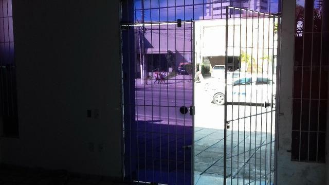 Prédio Comercial com 06 salas na Avenida Tomás Espíndola, Farol - Foto 8