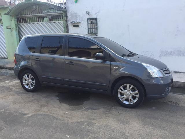Nissan Livina S 1.8 flex 12/13