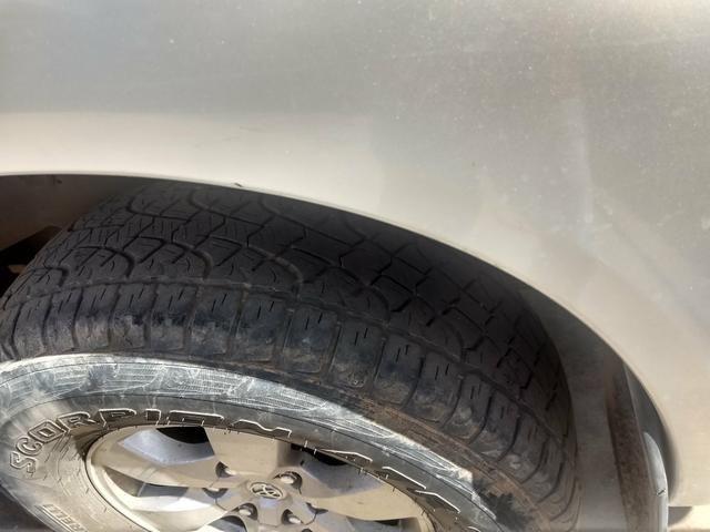 Toyota Hilux vendo e troca em carro de menor valor carro comprador zero único dono - Foto 3