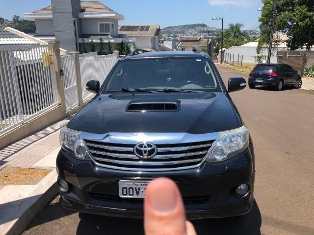 Toyota SW4 SRD 4D 4X4 3.0 TDI Diesel Automática - Foto 7