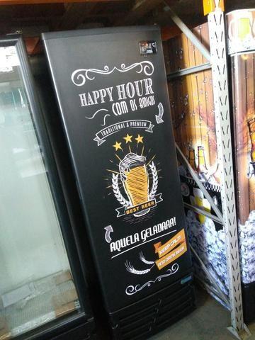 Cervejeira porta solida adesivada 449 litros ( 7 caixas )