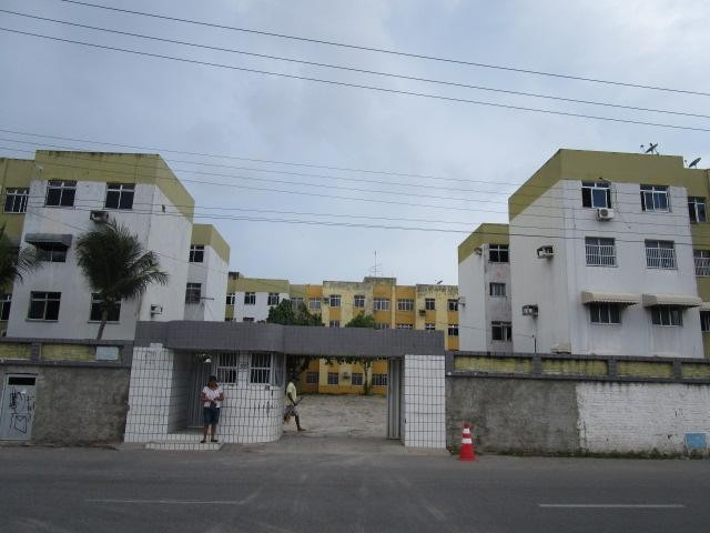 Apartamento com 3 dormitórios à venda, 68 m² por R$ 120.000,00 - Edson Queiroz - Fortaleza