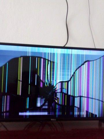 Tv philco led digital com a tela tricada so 4 meses de uso