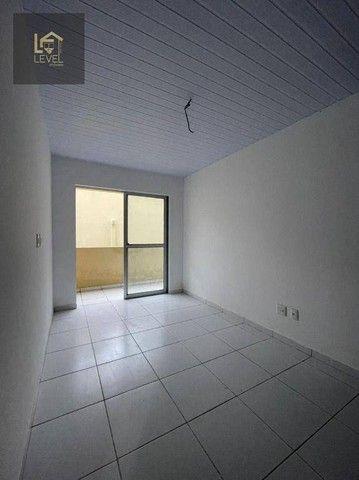 Apartamento com 2 dormitórios à venda, 52 m² por R$ 120.000,00 - Chácara da Prainha - Aqui