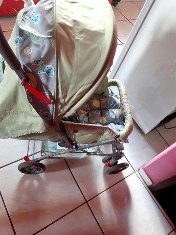 Carrinho de bebê semi novo  - Foto 4