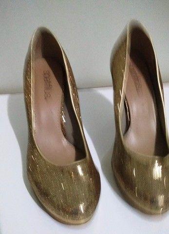 Sapato de Festa Dourado (Brilhante) Spatifilus Tamanho 37 - Foto 6