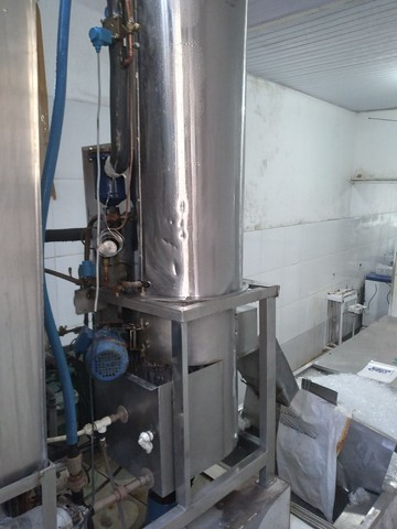 Vendo fábrica de gelo em cubos em pleno funcionamento 21 anos R100 mil - Foto 4