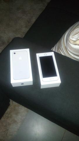 Vende se iPhone 7 novo
