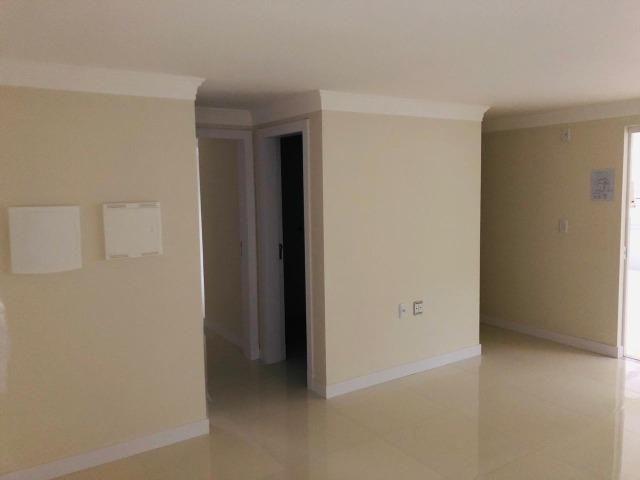 Apartamento com 4 vagas de garagem - 80 metros da praia - Foto 6