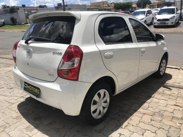 Toyota Etios 1.3 HB X - Foto 2