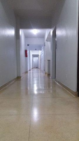 Procuro sócio com ponto comercial ou profissionais com entradas em condomínios - Foto 2