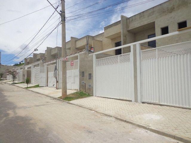 Linda casa de 2/4 com quintal e 2 vagas por R$ 269.000 em Jardim dos Alfineiros - Foto 5