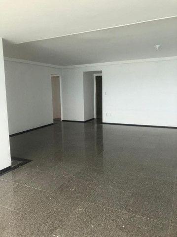 Alugo apartamento 4/4 por R$10.700,00