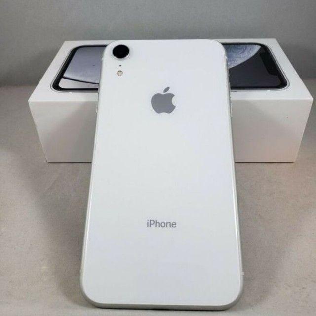 iPhone XR Branco 64GB Celular