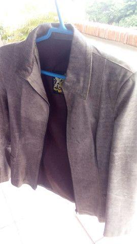 Casaco de couro tam P - Foto 2