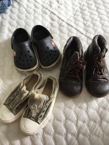 Crocs + botinha + sapatênis tam. 23-24