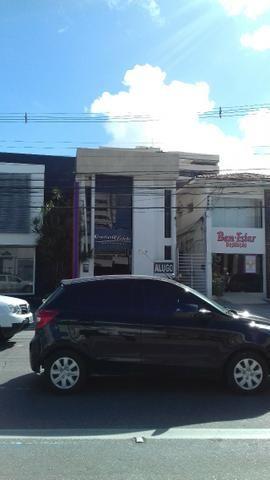 Prédio Comercial com 06 salas na Avenida Tomás Espíndola, Farol