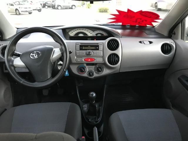 Toyota etios 1.3 xs 2013 unico dono - Foto 5