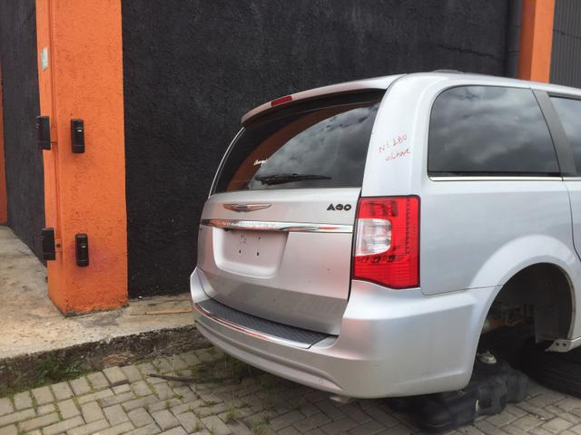 Sucata Chrysler Town & Country