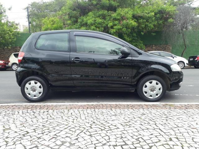 Volkswagen - Fox 1.0 8v Flex 2p Ar Condicionado - Financio em até 48x. - Foto 3